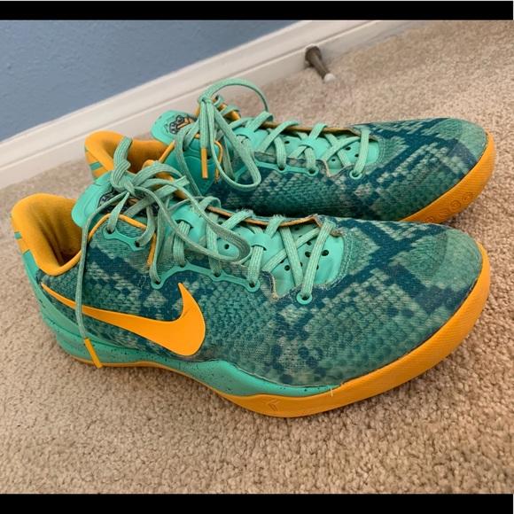 check out 844b9 92881 Kobe 8  Green Glow  Men s Sneaker. M 5c843fb2baebf60898100f3e